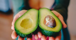 3 delicious ways to use avocados in your beauty routine