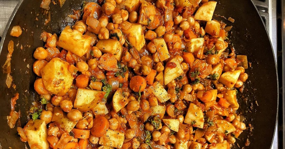 Slow-cooked vegan chickpea stew
